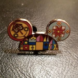Disney Pin Mouse Ears Hat It's a Small World